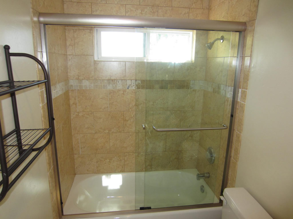 Sliding Bi-pass Shower Door - Patriot Glass and Mirror   San Diego CA