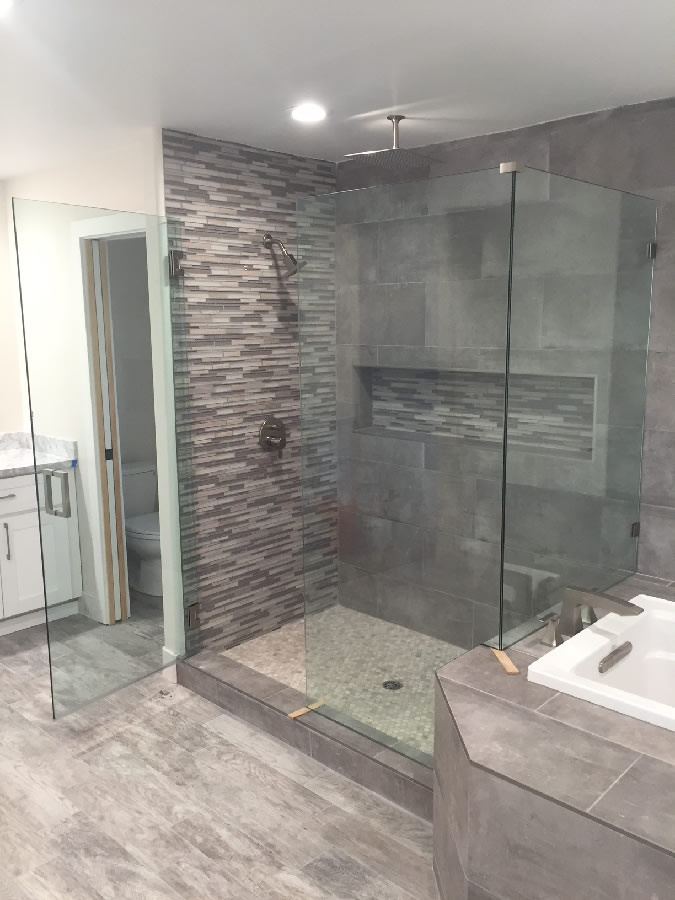 Shower With Bench - San Diego - Patriot Glass and Mirror | San Diego CA